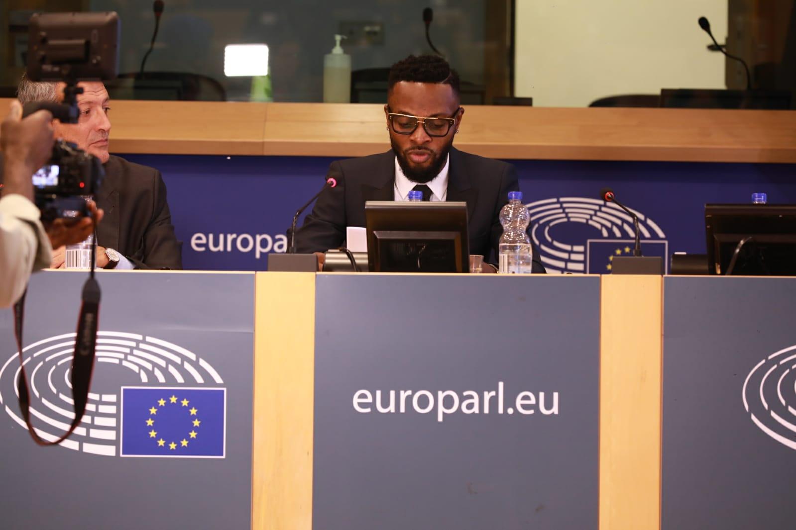 Ce que fait réelement le musicien Héritier Watanabe au parlement européen